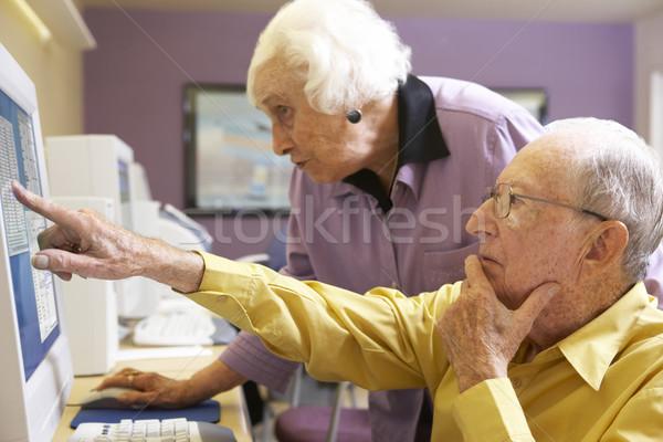 Idős nő segít férfi számítógép internet Stock fotó © monkey_business