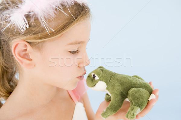 Jeune fille princesse costume baiser peluche grenouille Photo stock © monkey_business