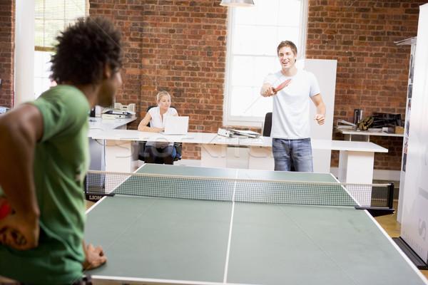 Dois homens escritório espaço jogar ping-pong negócio Foto stock © monkey_business
