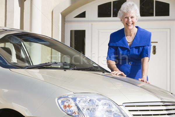 シニア 女性 立って 新しい車 外 家 ストックフォト © monkey_business