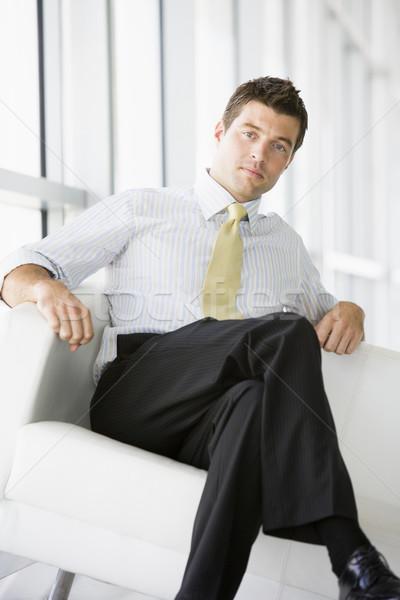 üzletember ül iroda lobbi férfi férfi Stock fotó © monkey_business