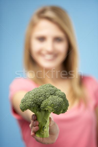 Fresco brócolis menina adolescente Foto stock © monkey_business