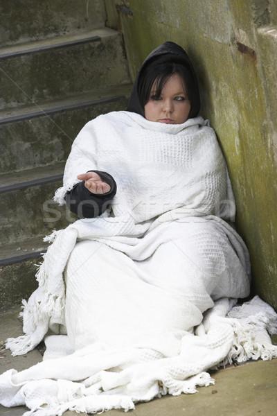 Sem casa menina adormecido áspero mulher rua Foto stock © monkey_business