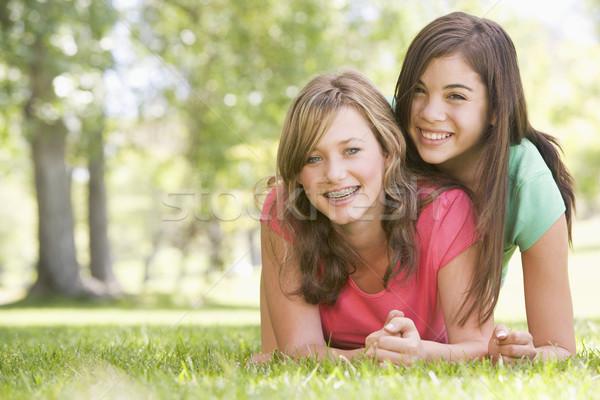 Retrato feliz amigos ninas adolescentes Foto stock © monkey_business
