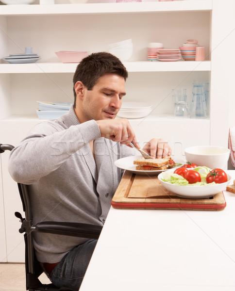 Stockfoto: Gehandicapten · man · sandwich · keuken · persoon