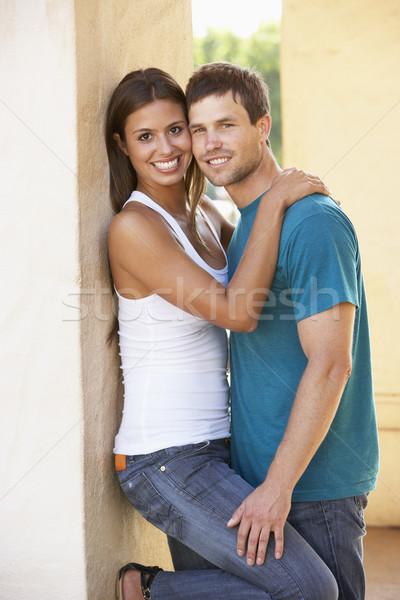 Stock fotó: Romantikus · fiatal · pér · kívül · épület · férfi · város