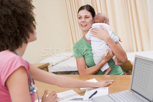 医師 ノートパソコン 女性 赤ちゃん ストックフォト © monkey_business