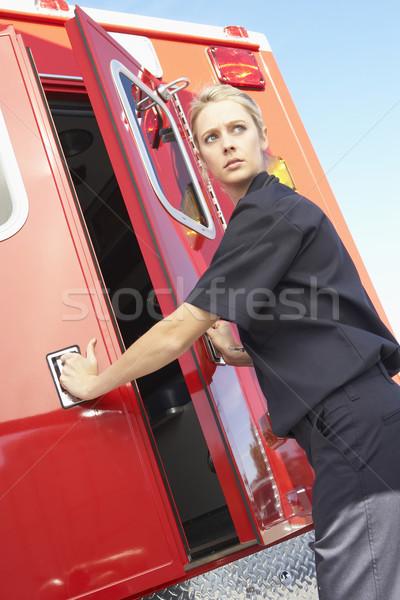 Paramedicus ambulance deuren ziekenhuis verpleegkundige Stockfoto © monkey_business