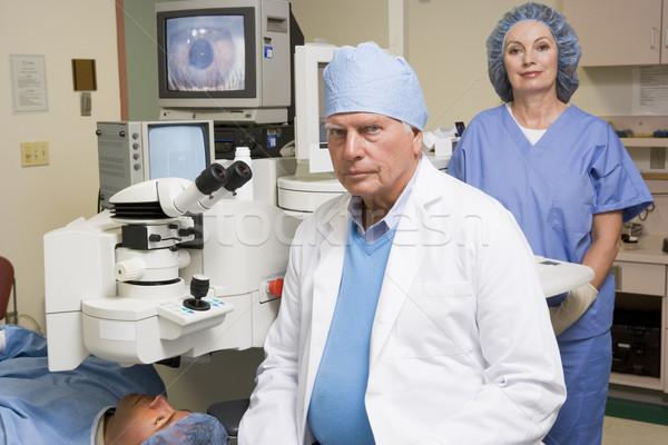 Tête médecin infirmière patient examen de la vue femmes Photo stock © monkey_business