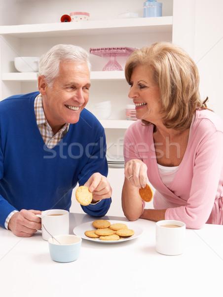 Genieten warme drank keuken vrouw koffie Stockfoto © monkey_business