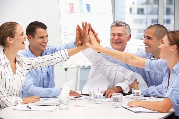 Colleghi incontro di lavoro ufficio donne riunione lavoro Foto d'archivio © monkey_business