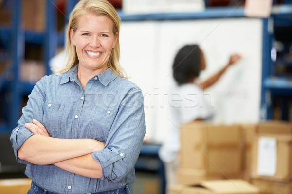 Portret pracownika dystrybucja magazynu kobiet technologii Zdjęcia stock © monkey_business