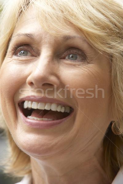 Retrato altos mujer sonriente felizmente mujer cara Foto stock © monkey_business