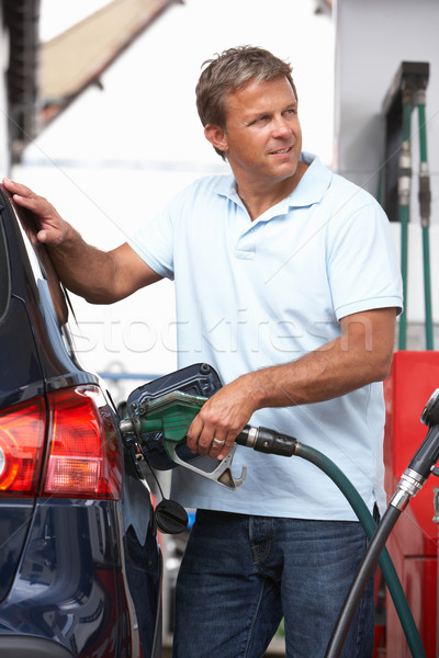 Pormenor masculino enchimento carro diesel gasolina Foto stock © monkey_business