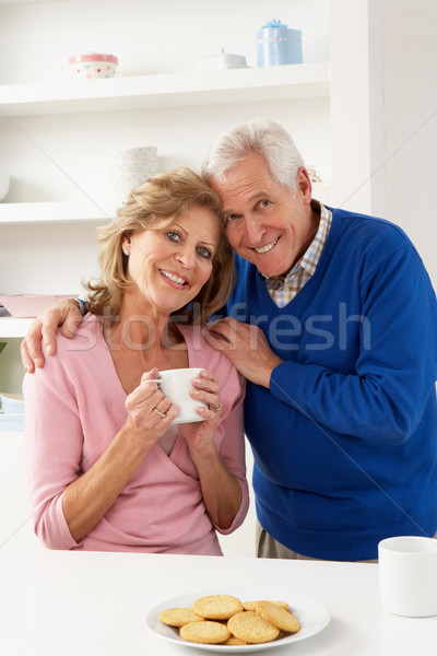 горячий напиток кухне женщину кофе Сток-фото © monkey_business