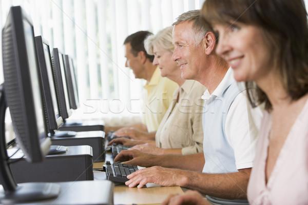 Laboratorio informatico istruzione studenti uomini gruppo Foto d'archivio © monkey_business