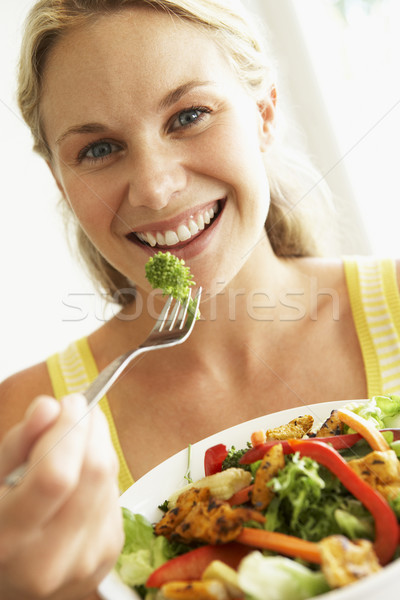 Сток-фото: взрослый · женщину · здоровое · питание · Салат · вилка · томатный