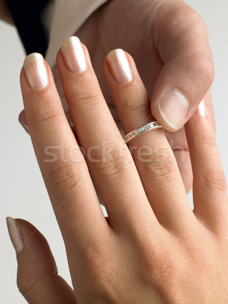Man diamanten ring vinger bruiloft ring huwelijk Stockfoto © monkey_business