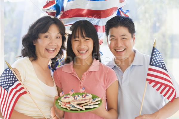 Stockfoto: Familie · buitenshuis · vierde · vlaggen · cookies · glimlachend