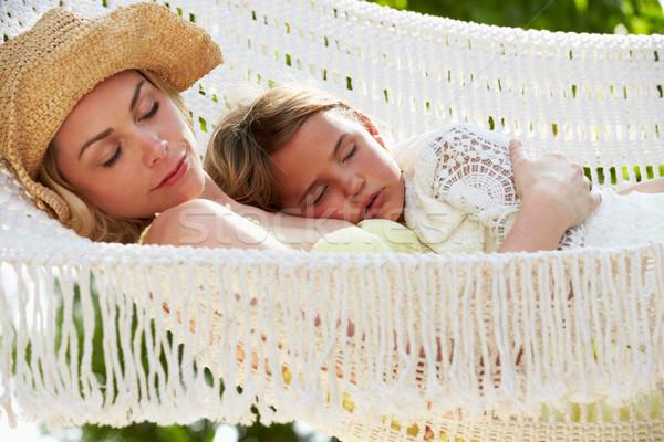 Mãe filha relaxante praia maca menina Foto stock © monkey_business