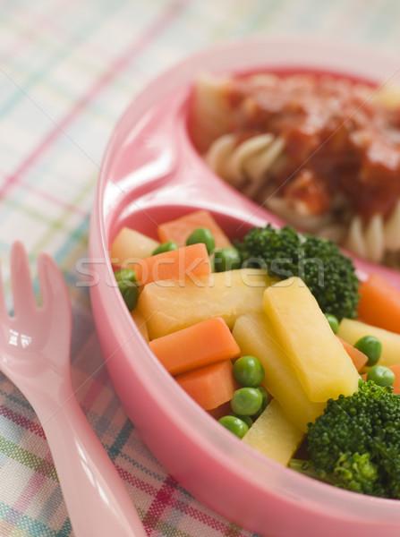 Tészta paradicsomszósz vegyes zöldségek gyerekek vacsora Stock fotó © monkey_business