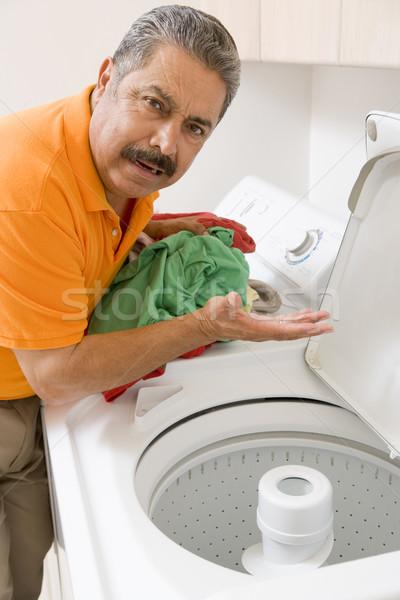Man wasserij schoonmaken kleur permanente wassen Stockfoto © monkey_business