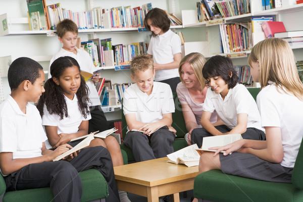 学校 学生 作業 ライブラリ 子供 図書 ストックフォト © monkey_business