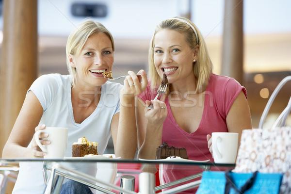 Női barátok ebéd együtt bevásárlóközpont nők Stock fotó © monkey_business