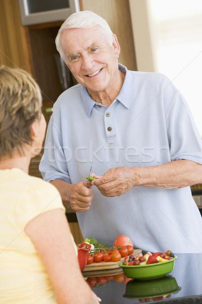 Férj feleség zöldségek étel boldog pár Stock fotó © monkey_business