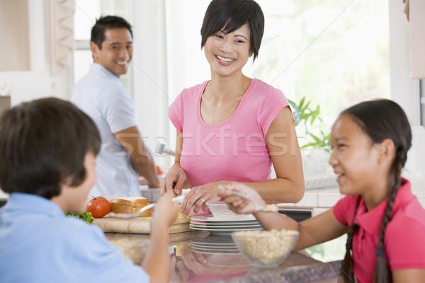 Família cozinha alimentação café da manhã menina cor Foto stock © monkey_business