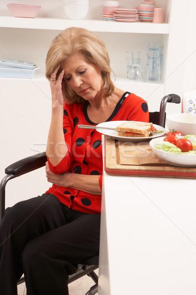 Foto stock: Discapacidad · altos · mujer · sándwich · cocina