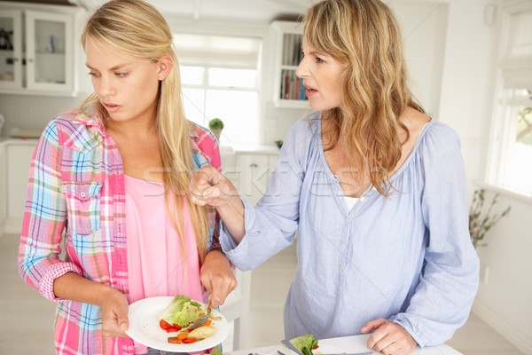 Mãe adolescente filha trabalhos domésticos menina Foto stock © monkey_business