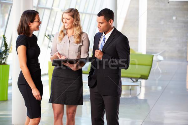 Informal reunión moderna oficina negocios Foto stock © monkey_business