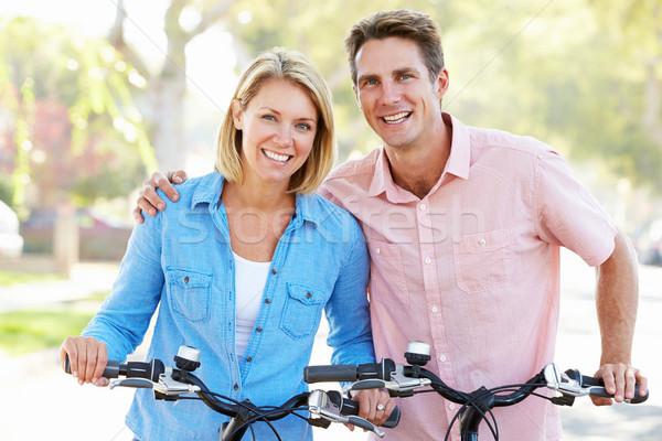 Cuplu ciclism suburban stradă rutier femei Imagine de stoc © monkey_business
