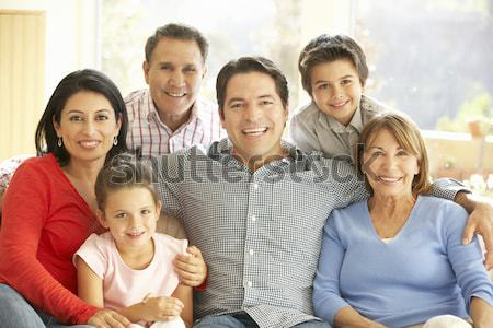Stok fotoğraf: Aile · oturma · odası · kek · gülen · kız · parti