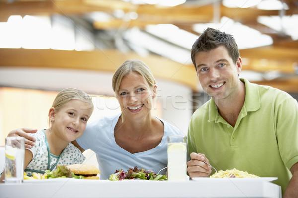 Foto d'archivio: Famiglia · pranzo · insieme · mall · donna · ragazza