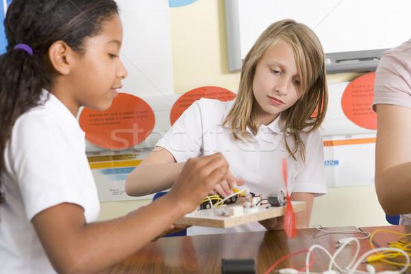 Stock foto: Schülerinnen · Wissenschaft · Klasse · Mädchen · Schule · Bildung