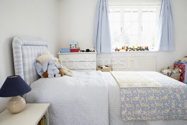 Foto stock: Interior · quarto · casa · cama · brinquedos · lâmpada
