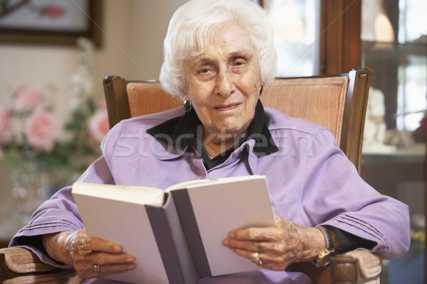 Сток-фото: старший · женщину · чтение · книга · очки · пожилого