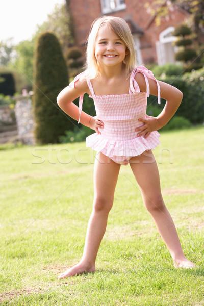 Portret jong meisje permanente tuin zwemmen Stockfoto © monkey_business