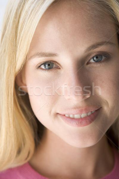 Foto stock: Cabeza · tiro · mujer · sonriente · retrato · sonriendo · hermosa