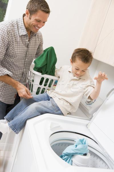 Stockfoto: Vader · zoon · wasserij · kind · jongen · kleur · glimlachend
