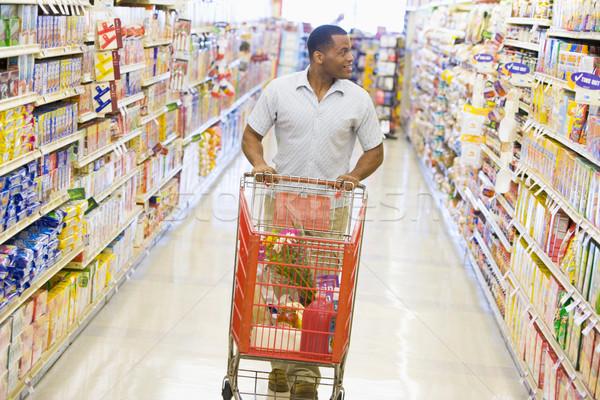 Foto stock: Homem · empurrando · supermercado · corredor · mercearia · feliz