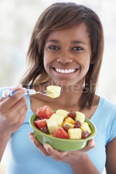 十代の少女 食べ 新鮮果物 サラダ 少女 食品 ストックフォト © monkey_business