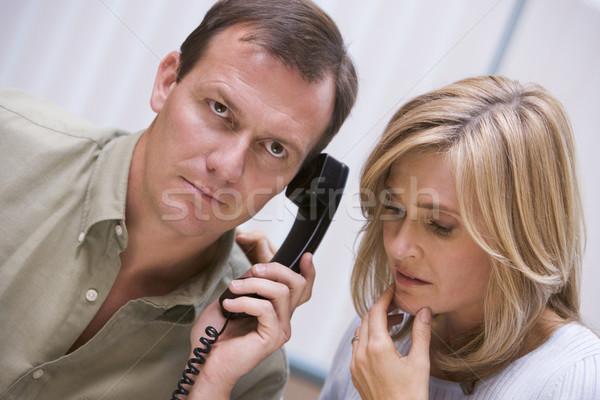 カップル 悪い知らせ 電話 ホーム 話し 色 ストックフォト © monkey_business