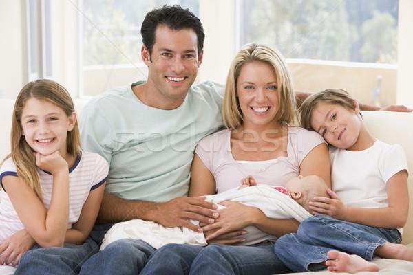 Сток-фото: семьи · гостиной · ребенка · улыбаясь · женщину · счастливым
