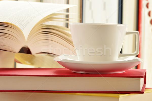 Libros taza café beber lectura Foto stock © monticelllo