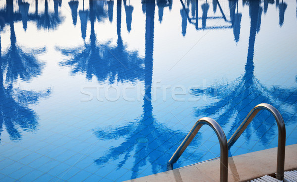 úszómedence turisztikai üdülőhely nyár idő tengerpart Stock fotó © monticelllo