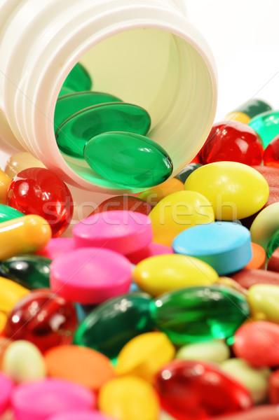 капсулы наркотиков таблетки медицинской природы Сток-фото © monticelllo