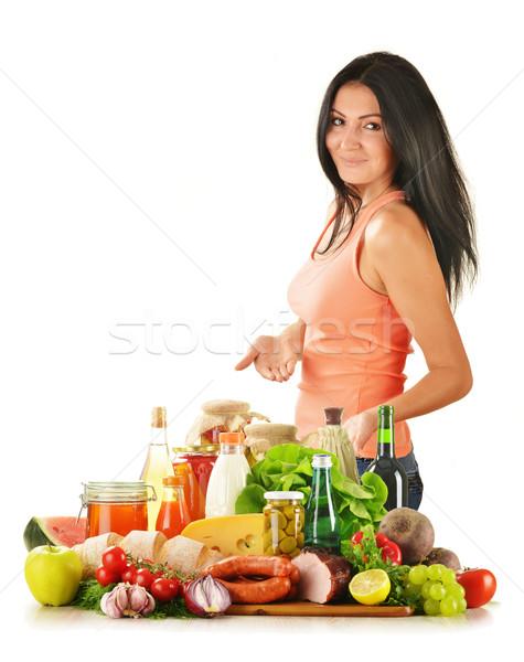 Fiatal nő választék élelmiszer termékek zöldség gyümölcsök Stock fotó © monticelllo